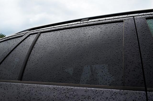 השחרת חלונות לרכב