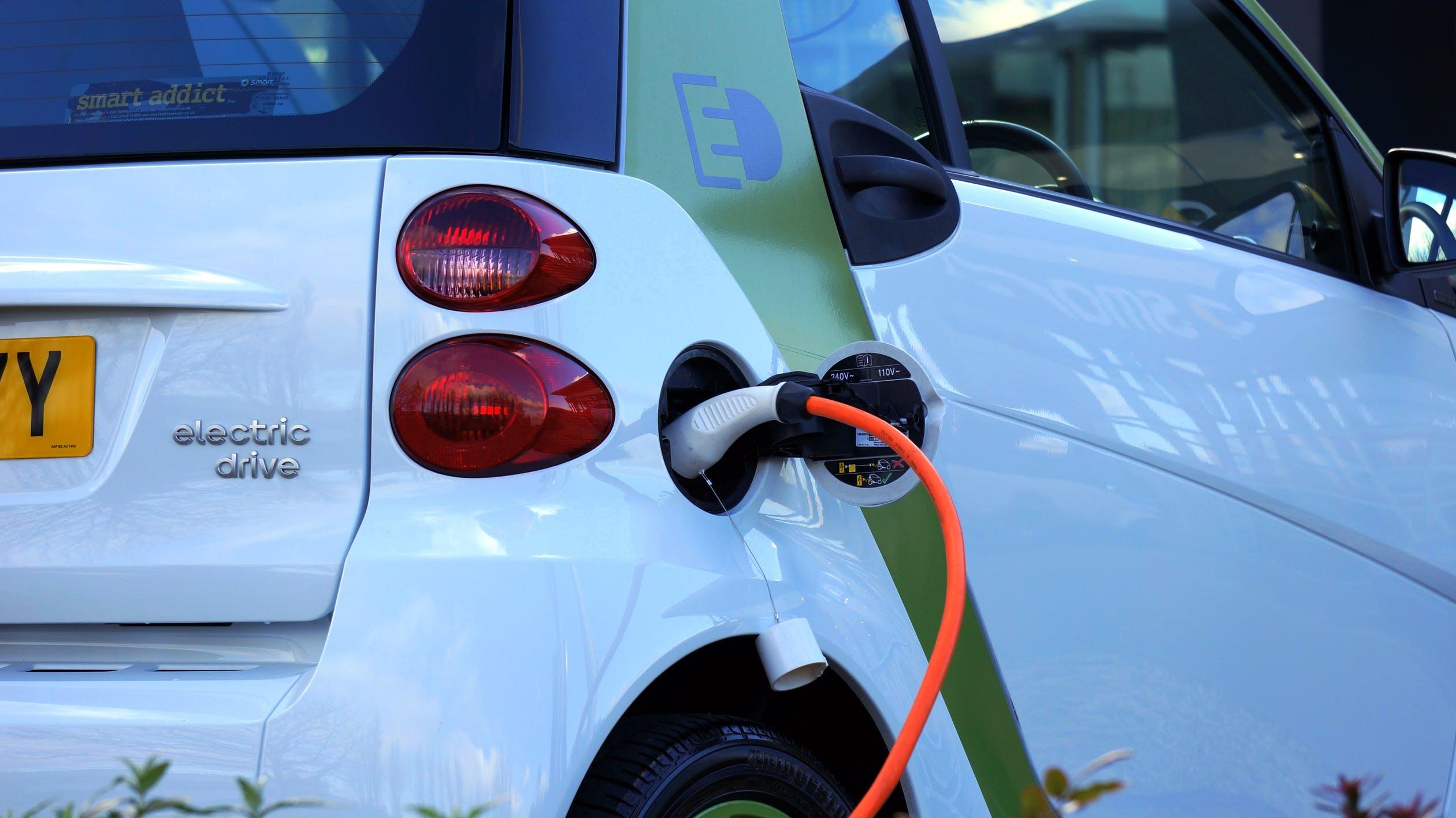 רכבים חשמליים